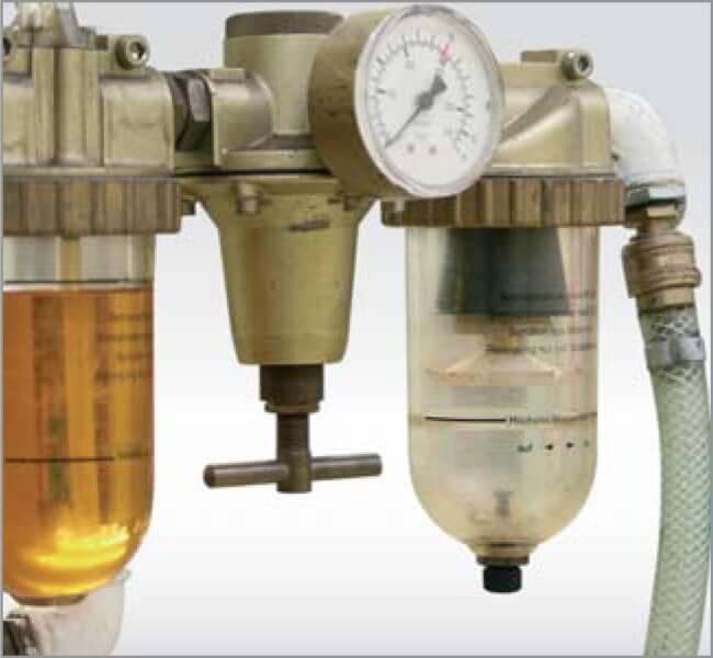 Maintenance unit with pressure regulator